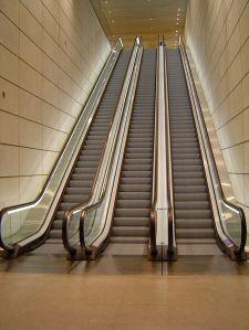 640px-Escalators_Canary_Wharf